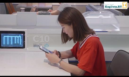 Китайский ресторан заменил всех официантов на роботов